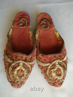 Souliers mules anciennes brodées or mode ottomane 2nd Empire